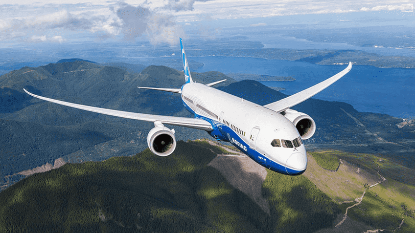 malaysia-airlines-signs-for-16-planes-from-boeing